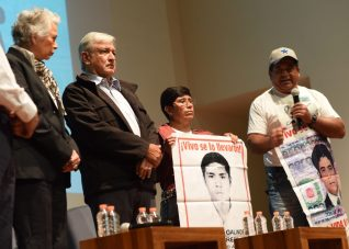Mensaje-a-medios-Ayotzinapa-1024x734.jpeg